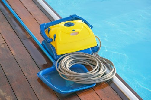 bigstock-Pool-Cleaner-During-His-Work-332911039-min-500x333